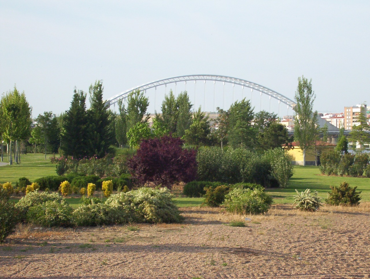 jardines de las 7 sillas y puente lusitania en merida