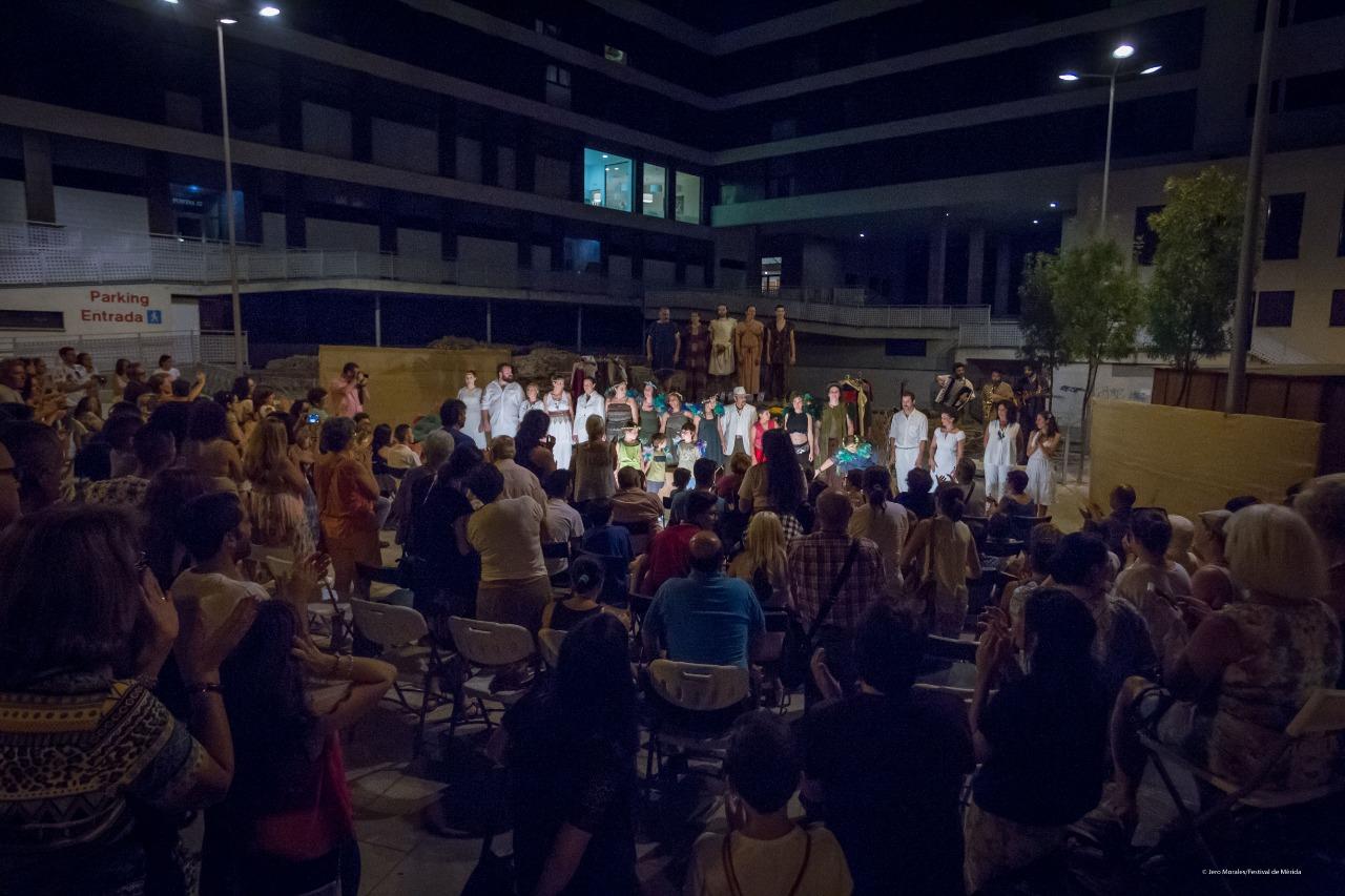 el teatro tambien se vive en las calles de merida