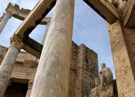 detalle frente escenico teatro romano