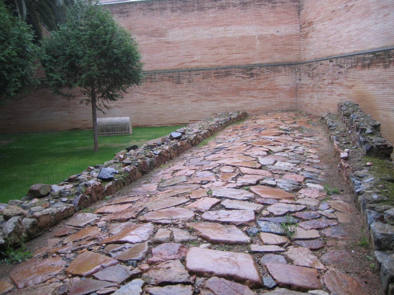 calzada romana en merida