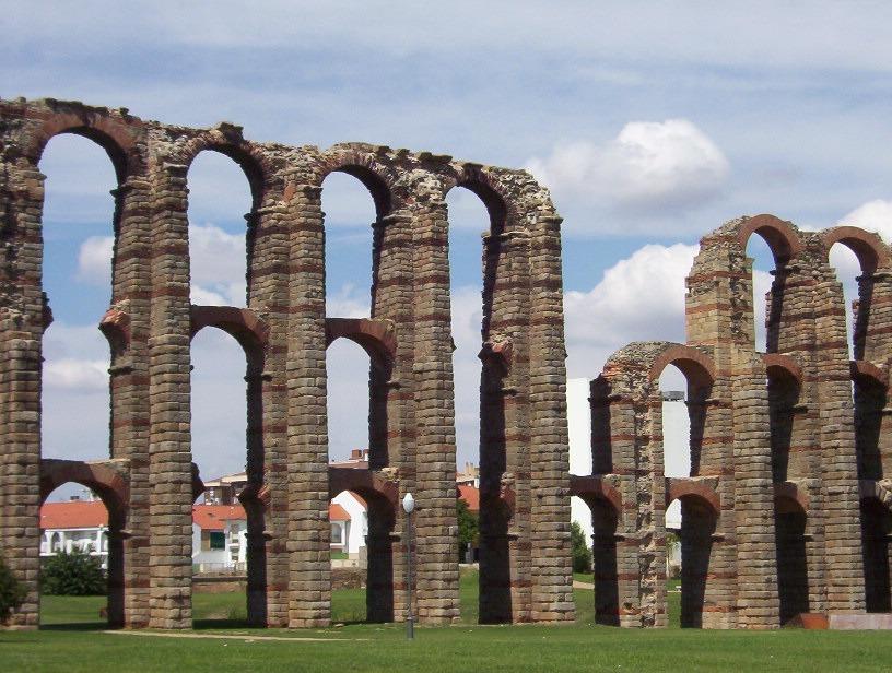 vista del acueducto romano los milagro de merida