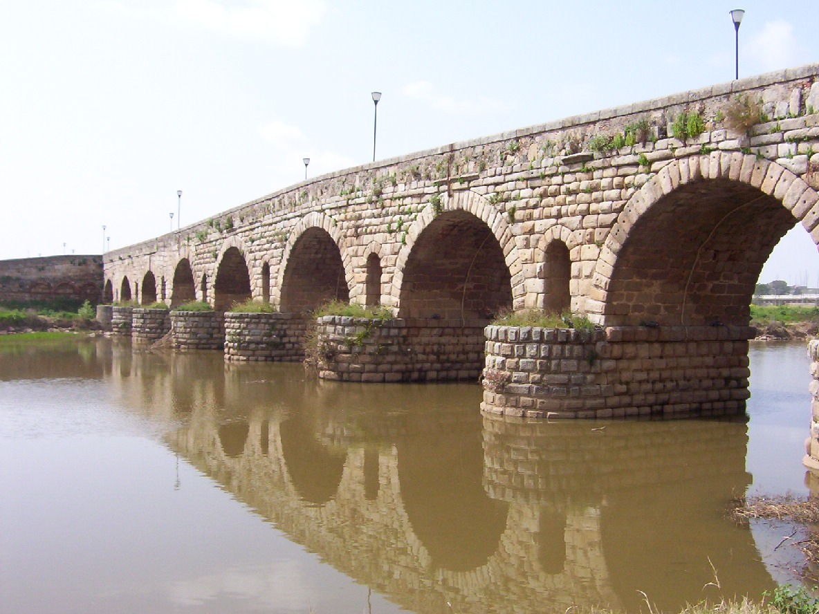 detalle puente romano sobre el guadiana en merida