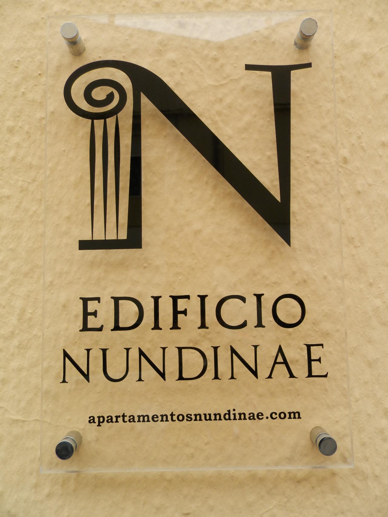 placa identificativa edificio nundinae