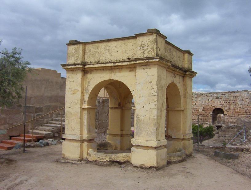monumento en alzacaba arabe de merida