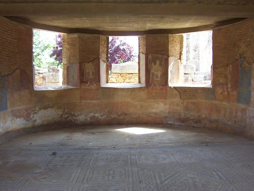 vista interior casa basilica en merida
