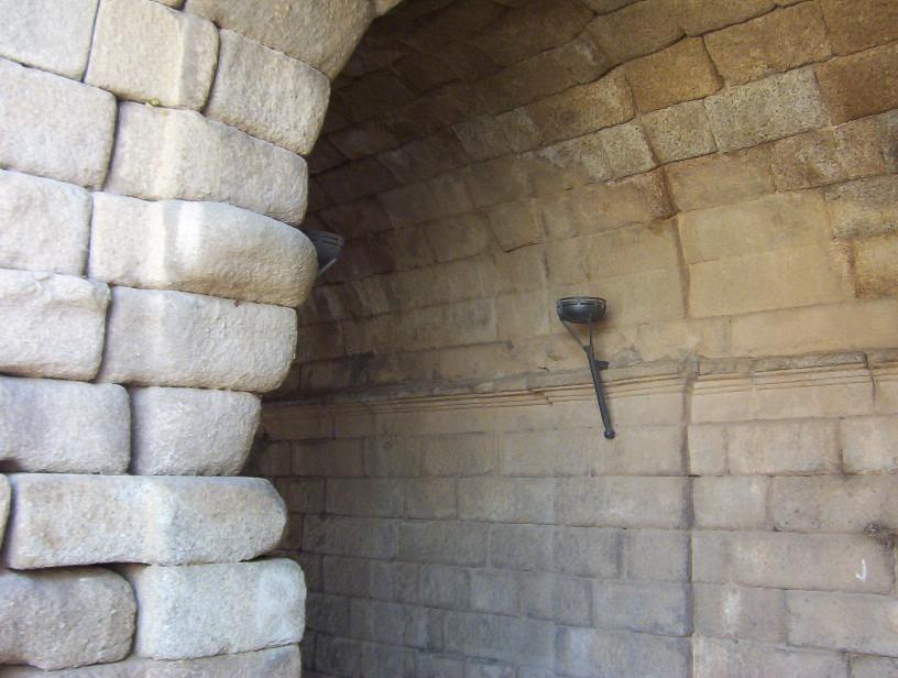 acceso a vomitorios del teatro romano de merida