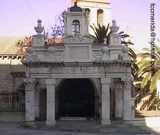 hornito de Santa Eulalia con los restos del templo de Marte en merida